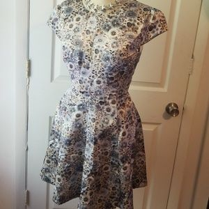 Sz 10 FALL FLORAL Lauren Conrad dress w/open back